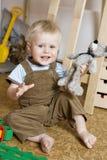Kleiner netter blonder Junge eine Jahre alt Lizenzfreie Stockfotografie