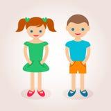 Kleiner netter Junge und Mädchen Lizenzfreies Stockfoto