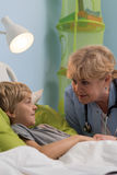 Kleiner Patient und Kinderarzt Lizenzfreie Stockfotos