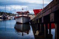 Kleiner Pier auf der Küste Lizenzfreies Stockfoto