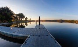 Kleiner Pier auf Hopkins-Fluss bei Sonnenaufgang stockbild