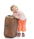 Kleiner Reisender, der für eine Reise sich vorbereitet Lizenzfreie Stockbilder