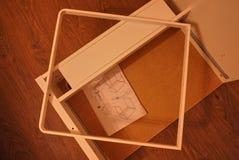 Kleiner Schreibtisch für Computer und Laptop stockbilder