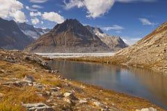 Kleiner See entlang dem Aletsch-Gletscher in der Schweiz Stockfotos