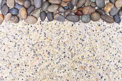 Kleiner Stein auf Kieshintergrund Lizenzfreie Stockbilder