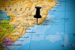 Kleiner Stift, der auf Rio de Janeiro zeigt stockfotos