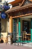 Kleiner Straßenkaffee Stockbild