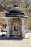 Kleiner Tempel im Boden des Jain Tempels von Ranakpur Stockbilder