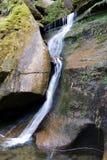 Kleiner Wasser-Fall Lizenzfreie Stockfotografie