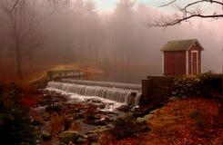 Kleiner Wasserfall stockbild