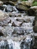 Kleiner Wasserfall Stockfotografie