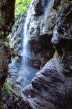 Kleiner Wasserfall in Partnachklamm-Schlucht, Deutschland Stockfotografie