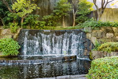 Kleiner Wasserfall in Ueno-Park Lizenzfreies Stockfoto