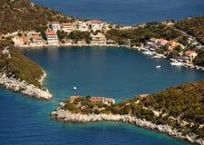 Kleines adriatisches Dorf Zaklopatica auf Lastovo-Insel, Kroatien Lizenzfreie Stockbilder