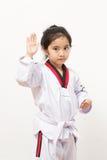 Kleines asiatisches Kind in kämpfender Aktion Stockfotografie