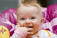 Kleines Baby nach dem Abendessen Lizenzfreies Stockfoto