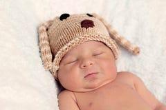 Kleines Baby, schlafend Stockfotos