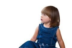 kleines Baby spricht am Handy, lokalisiert über Weiß Lizenzfreies Stockbild
