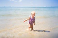 Kleines blondes Baby Stockfotografie