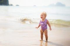 Kleines blondes Baby Stockfoto