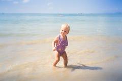 Kleines blondes Baby Stockbild