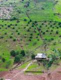 Kleines Dorf auf Reisfeld Gebirgs-Landschaft in Moc Chau, Nord-Vietnam MOC CHAU, VIETNAM Stockbild