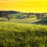 Kleines Dorf in den Alpen Lizenzfreie Stockfotografie