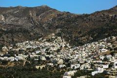 Kleines Dorf in den Bergen Lizenzfreies Stockfoto