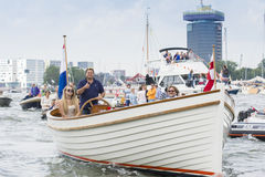 Kleines Erholungsboot segelt während des großen Seeereignis SEGELS 2015 Stockbilder