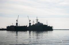 Kleines Flugkriegsschiff im Hafen, Ostsee, Russland Lizenzfreies Stockbild