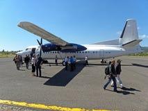 Kleines Flugzeug gelandet Lizenzfreie Stockfotos