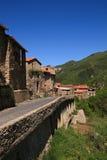 Kleines französisches Dorf in Pyrenees Lizenzfreies Stockfoto