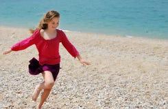 Kleines glückliches Mädchen Lizenzfreies Stockfoto