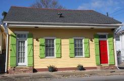 Kleines hölzernes Haus Lizenzfreies Stockfoto