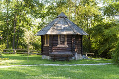 Kleines hölzernes Haus Lizenzfreies Stockbild