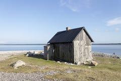 Kleines Haus auf dem Strand Lizenzfreie Stockbilder