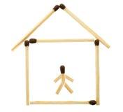 Kleines Haus ausgebreitet von den Abgleichungen Lizenzfreie Stockfotografie