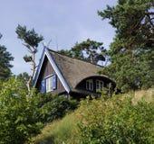 Kleines Haus in Litauen Stockbilder