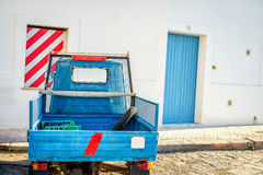 Kleines italienisches Motorrad parkte in Gallipoli, Italien Stockbild