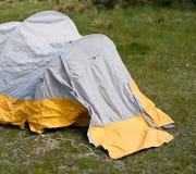 Kleines kampierendes Zelt Lizenzfreie Stockfotos