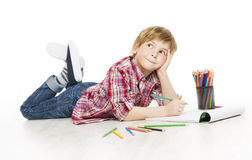 Kleines Kinderjungen-Zeichnung vom Bleistift, künstlerisches kreatives Kind Thinki Stockbild