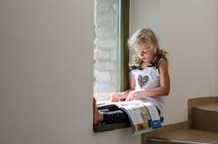 Kleines Kinderlesebroschüre Stockbild