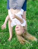 Kleines lustiges Mädchen Stockfoto