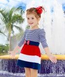 Kleines Mädchen überrascht Stockbilder
