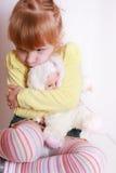 Kleines Mädchen alleine Lizenzfreie Stockbilder