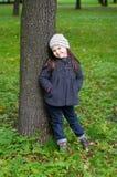 Kleines Mädchen auf dem Park Lizenzfreie Stockfotografie