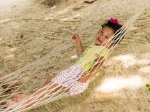 Kleines Mädchen auf dem Strand Lizenzfreies Stockbild