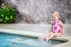 Kleines Mädchen auf Ferien Lizenzfreie Stockbilder