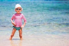 Kleines Mädchen auf Ferien Stockbilder