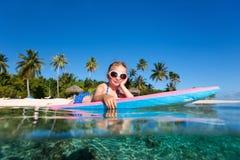 Kleines Mädchen auf Ferien Stockbild